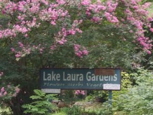 Shelley's Farm Sign